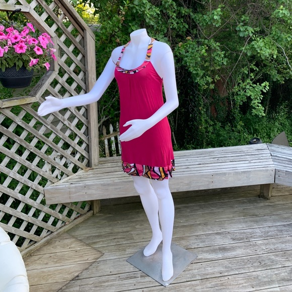 Dresses & Skirts - Magenta casual dress with racer back